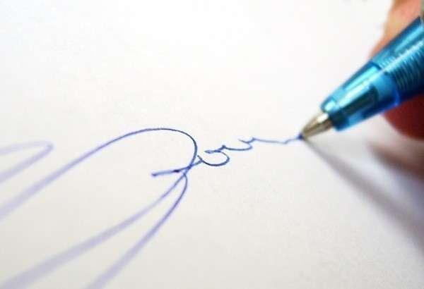 если человек рисует сердечки: