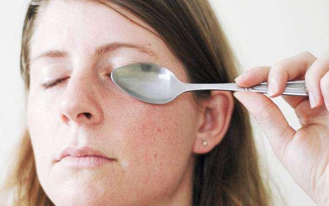 Чем убрать отеки под глазами в домашних условиях быстро 930
