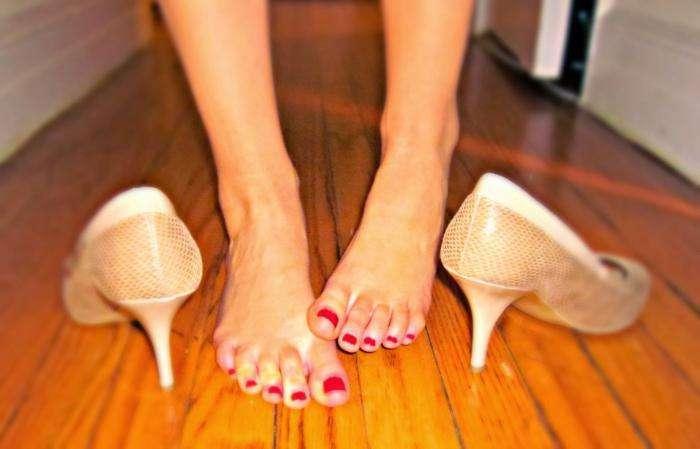 фото шипига на ноге