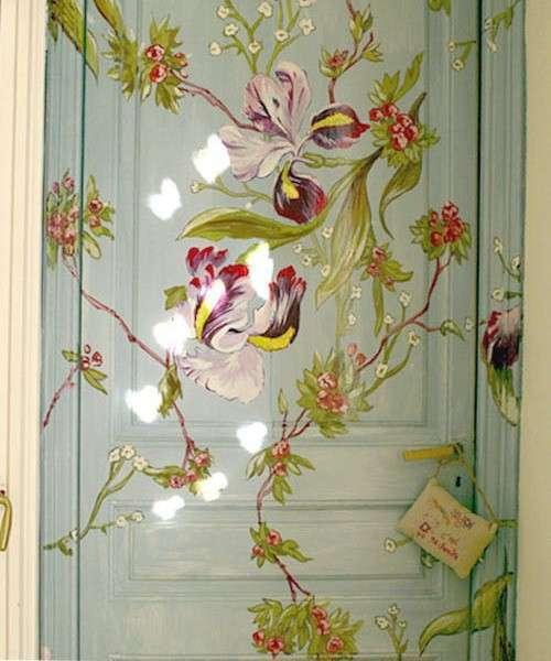 декорирование дверей красками