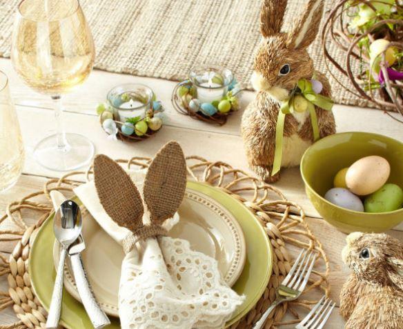 Как оформить пасхальный стол: выбор скатерти и посуды