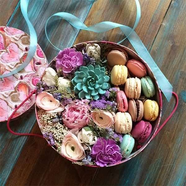 Подарок с макаронами и цветами 45