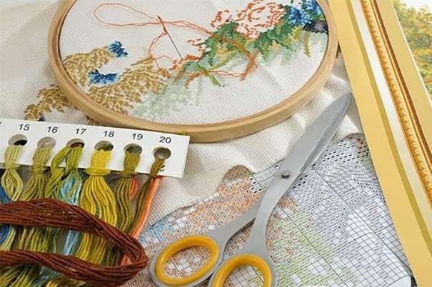 Материалы и инструменты для вышивки крестиком