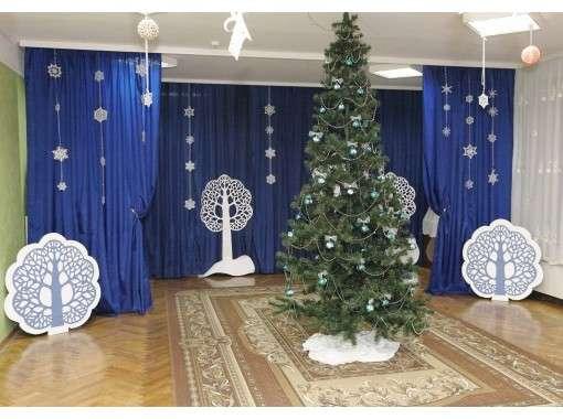 Украшение зала в школе на новый год