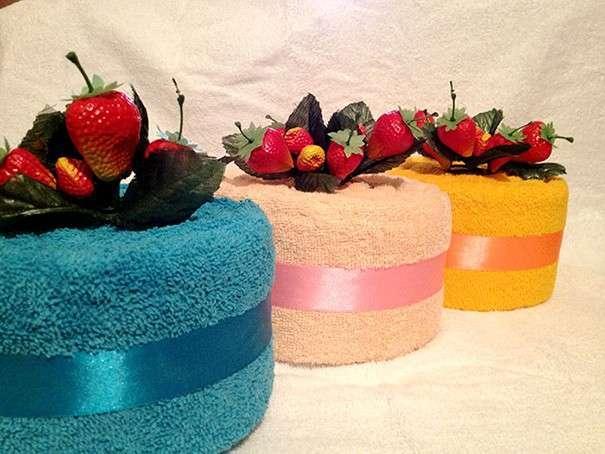 Круглые торты из полотенец