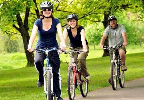 Велоспорт не только укрепляет тонус мышц, но и поднимает настроение!