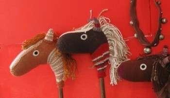 Игрушки из старой одежды. Фото с сайта www.guiademanualidades.com