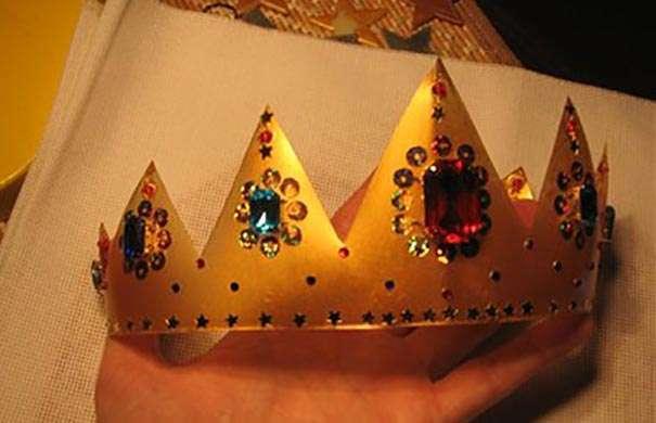 Как сделать корону для мальчика своими руками из бумаги