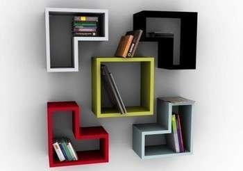 Оригинално и практично - пола для книг. Фото с сайта foto-room.org.ua