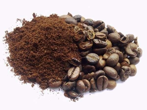 Домашний кофейный скраб ничуть не уступает по свойствам салонным средствам