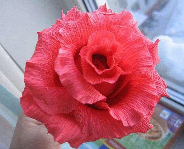 Цветок из бумаги и конфет мастер класс