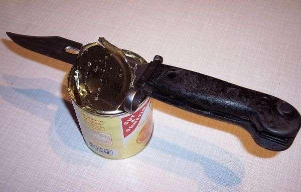 Как открыть консервную банку ножом