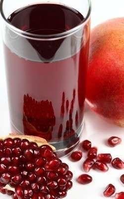 Гранатовый сок многие считают своим любимым исключительно по вкусовым качествам