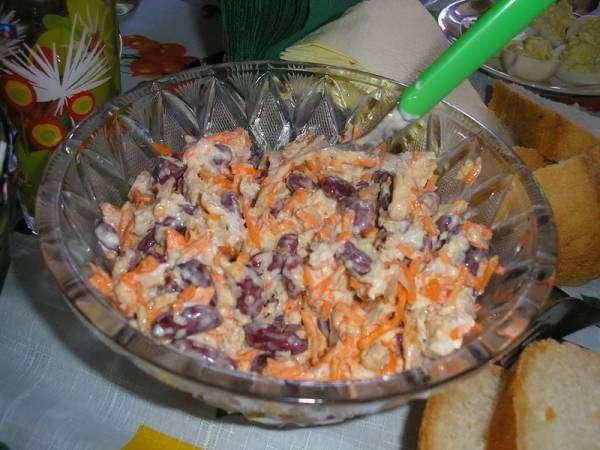 Салат из фасоли куриной грудки морковки