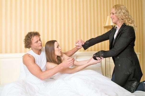 Жена и муж трахает син их видел