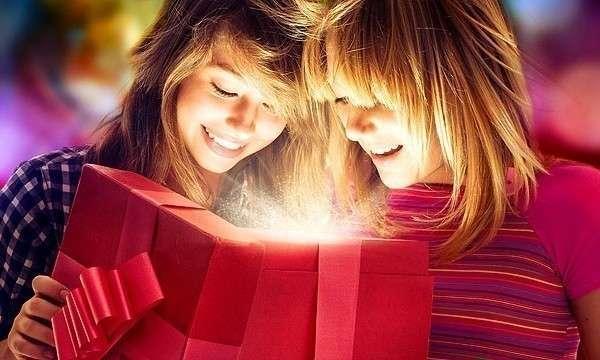 Как удивить подругу в день рождения своими руками