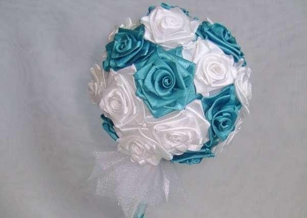 Топиарий с атласными розами фото