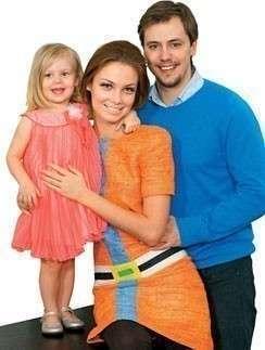 Татьяна и Иван с дочкой Машенькой. Фото с сайта www.starhit.ru
