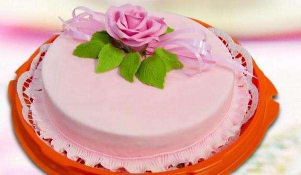 Произведение искусства — торт из мастики. Фото с сайта ladyspecial.ru
