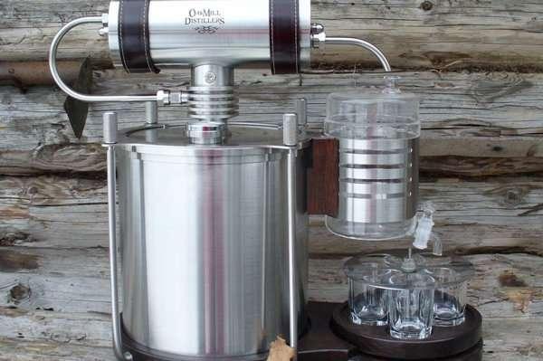 """Как очистить самогон от сивушных масел в домашних условиях: маслом, марганцовкой, углем, содой - журнал """"Рутвет"""""""