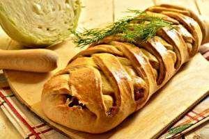 Кулебяка с капустой: простые и вкусные кулинарные идеи