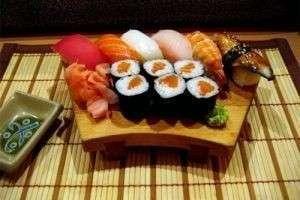 Как приготовить суши дома?
