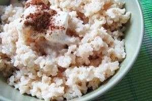 Как варить рисовую кашу на молоке: полезные рецепты для всей семьи