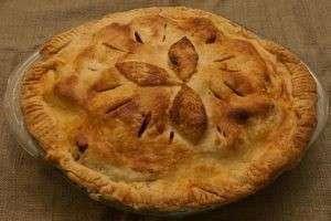 Пирог из слоеного теста с фаршем: сочная начинка и хрустящая корочка!