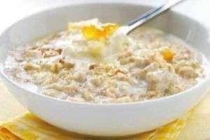 Чем полезна овсянка на завтрак: советы экспертов