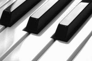 Чем отличается синтезатор от цифрового пианино? Спросим у музыкантов