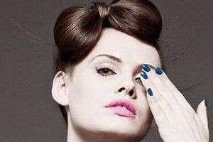 Простая и красивая прическа: как сделать бант из волос на голове