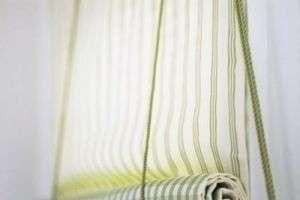 Рулонные шторы своими руками — нет ничего проще!