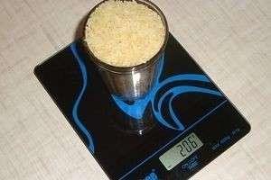 Сколько грамм весят продукты в стакане?