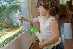 Как и чем мыть пластиковые окна, чтобы не испортить поверхность  и избежать разводов