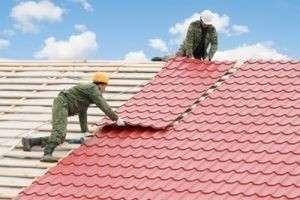Как покрыть крышу металлочерепицей своими руками — от а до я