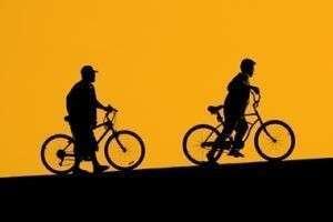 Как научиться кататься на велосипеде: правила и видеоинструкция