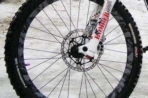 Гидравлические тормоза на велосипед и механические устройства для регулировки скорости