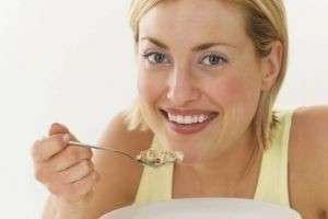 Язва желудка не приговор: что можно есть при этом заболевании, а что запрещено к употреблению