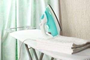 Как почистить утюг от накипи: спасаем прибор в домашних условиях