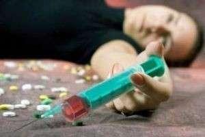 Что делать с матерью-наркоманкой?