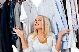 Как избавиться от запаха сырости на одежде?