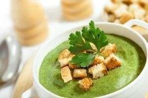 Как приготовить суп из брокколи с курицей, шампиньонами, кабачками?