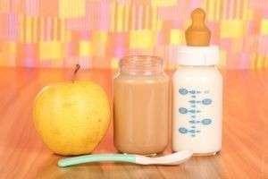 Как приготовить яблочное пюре для малыша: советы молодым мамам