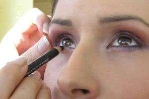 Как красиво накрасить глаза без помощи стилиста