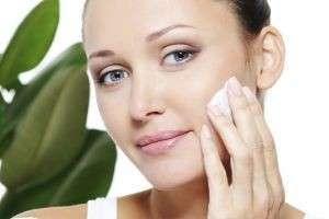 Увлажняющий крем для молодой кожи или обезвоженной: когда пора применять антивозрастные средства