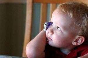 Ребенок влезает во «взрослый» разговор. Что делать