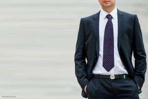 Должен уметь каждый мужчина: как завязывать галстуки схема