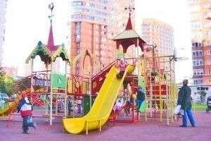 Актуальность использования современных детских площадок в семейном отдыхе