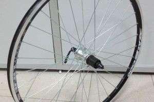 Как снять колесо с велосипеда и собрать обратно транспортное средство?