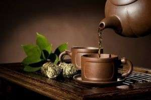 Влияет ли на вкус и аромат чая, то, как его заваривают?